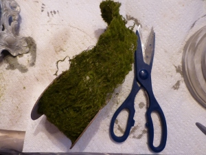 Moss ribbon will be used around the post.