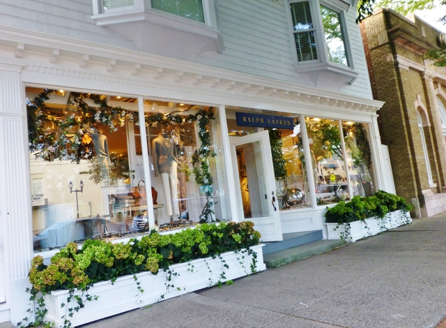 This Ralph Lauren store is one of many in the Hamptons.  I'm pretty sure there are four shops owned by the company (a children's boutique, a lady's store, a Rugby store and a plain old Polo Ralph Lauren store) in Easthampton alone!