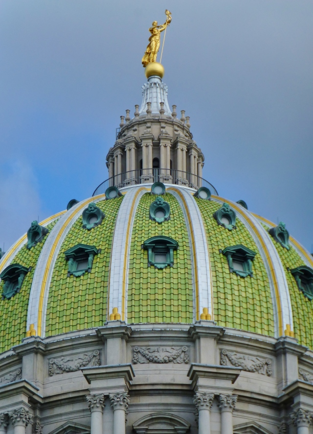 I'll leave you with this one last view of the enormous green tiled dome of the main rotunda, framed against the bright blue sky.  How marvelous!